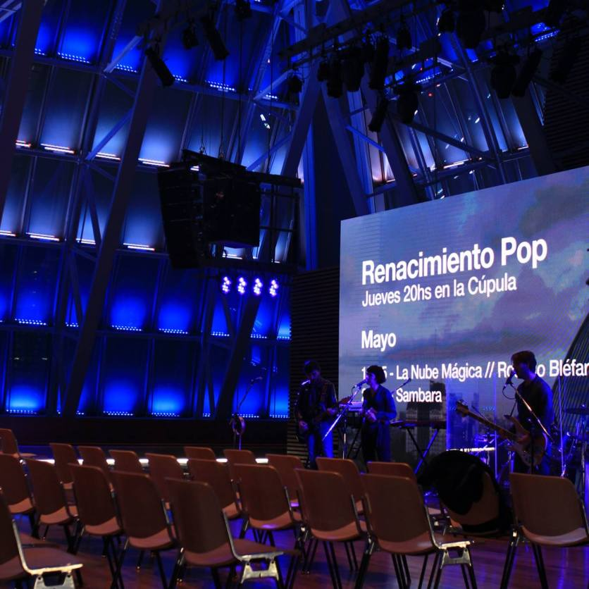 Collage en vivo en el Centro Cultural Kirchner (Laura Cordoba & Sebastián Durán - Rosario Bléfari)