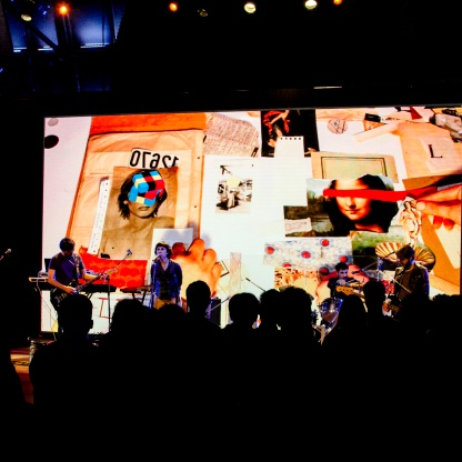Collage en vivo en el Centro Cultural Kirchner (Laura Cordoba & Sebastián Durán - Rosario Bléfari) Foto: Fedetico Kaplun
